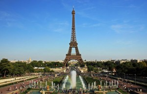 Eiffel_tower-min